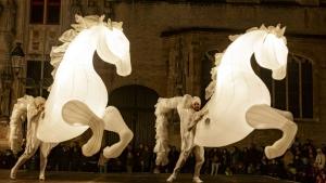 Compagnie des Quidams: FierS à cheval (Francia) - 5 y 6 de agosto